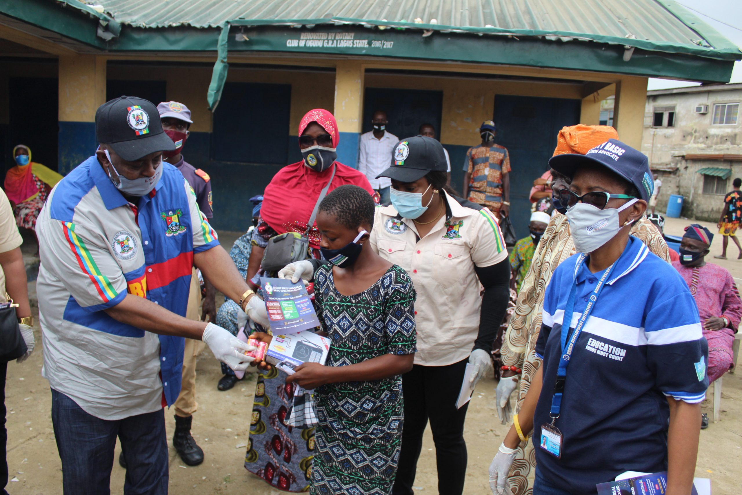 COVID-19: HDI Nigeria Distributes Hand-Held Radio, Facemasks to 500 Lagos Pupils