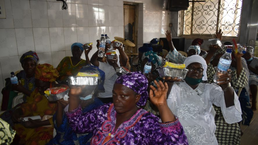 PROVIDE A MEAL & HDI NIGERIA GAVE FREE MEAL FOR SOMOLU WIDOWS GROUP